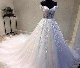 Tulle Wedding Dress,..