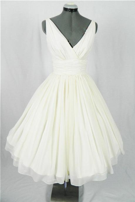New Arrival V-Neck Ivory Simple Short Wedding Dresses,The Charming Chiffon Homecoming Dress,Wedding Dresses, Heomcoming Dresses,Dresses For Wedding